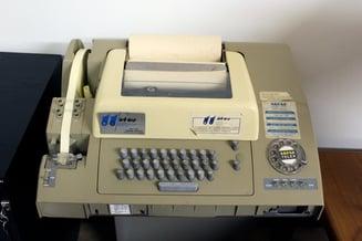 Telex_machine_ASR-32.jpg
